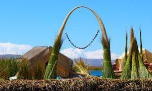 Avec Fairplay voyages, partez à la découverte du Pérou, en groupes ou en individuels. En particulier les ïles de Uros et ses constructions en roseaux