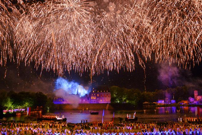 Venez découvrir les magnifiques spectacles du célèbre parc du Puy du Fou avec Fairplay voyages